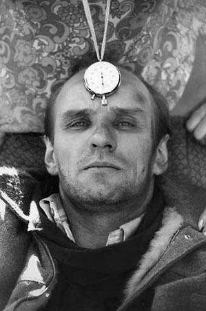 """И.Гневашев. А.Солоницын на съемках фильма """"Сталкер"""". 1979г."""