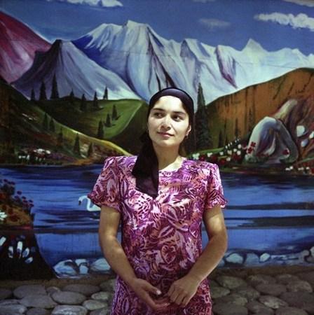 &copy; Рена Эфенди Гуля. Молодая узбекская женщина.<br /> Из серии «Дом счастья», 2007 г.