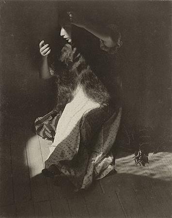 Мануэль Альварес Браво<br>Портрет божества<br>Желатиновая галогено-серебрянная печать, 1935