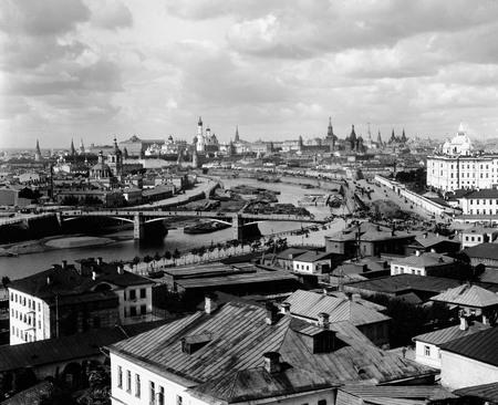 Петр Павлов<br /> Панорама Москвы с юго-восточной стороны <br /> 1890–1900-е