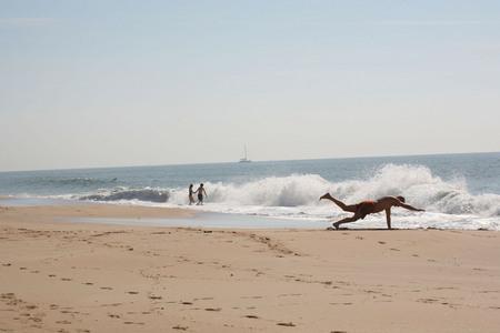 Сергей Бурасовский<br /> Утро на пляже. Португалия <br /> 2007
