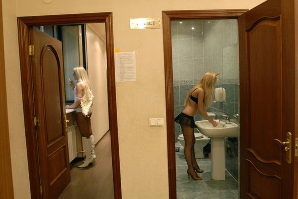 ©Александр Сорин. «Норильск, клуб «Арт». После шоу. 29.07.2006»