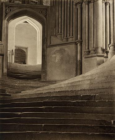 Фредерик Эванс<br>Кафедральный собор Уэллса<br>желатиновая галогено-серебряная печать, 1903