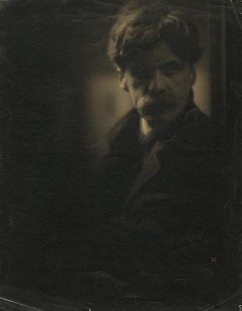 Кларенс Уайт<br>Портрет Альфреда Стиглица<br>платиновый отпечаток, 1908