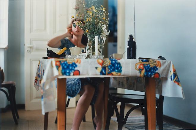 Филипп-Лорка ди Корсия<br /> Кэтрин, 1981<br /> Цветная печать<br /> Philip-Lorca diCorcia<br /> Catherine, 1981 <br /> Ektacolor print<br />  Image size: 20 x 24 inches  50.8 x 61 cm