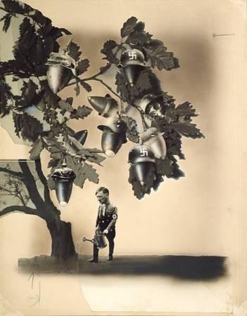 Deutsche Eicheln, 1933, Originalmontage. John Heartfield (1891 - 1968)  Source: Akademie der Kьnste, Berlin, Kunstsammlung  ©The Heartfield Community of Heirs / VG Bild-Kunst, Bonn 2009