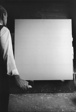 Lucio Fontana. 1964 © Ugo Mulas