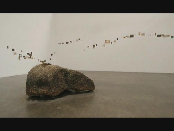 "Выставка фотографий. Кадр из фильма о Масао Ямамото "" The Space between flowers """