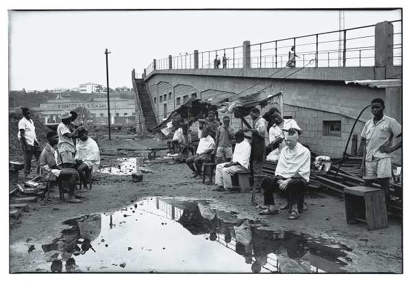 Sunday in the port area Lourenзo Marques 1959. © Ricardo Rangel