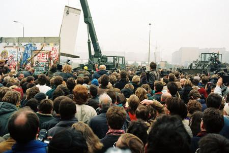 Хайко Шпехт<br> Падение Берлинской стены<br> 12 ноября 1989<br> пропускной пункт на Потсдамер платц<br> © Федеральное ведомство печати и информации BPA