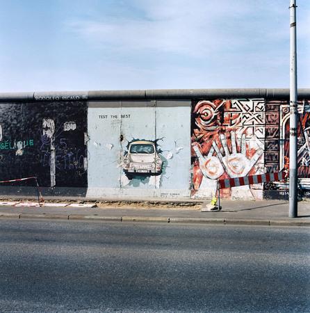 Бернд Кюлер<br> East Side Gallery<br> 27 июля 1992<br> © Федеральное ведомство печати и информации BPA