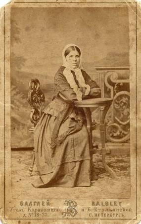 Фото неизвестной женщины<br> Санкт-Петербург, фотограф П.Балглей (угол Караванной и Б.Итальянской, № 18-37), 1860-1880