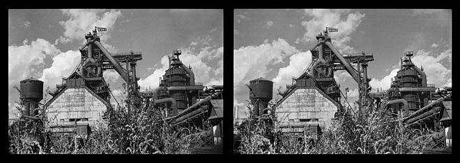 Из серии «Черная линия — Время. Близнецы». Металлургический завод. Чусовой, Пермская область. 1985