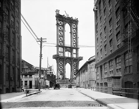 Строительство Манхэттенского моста. Вид с Вашингтон стрит