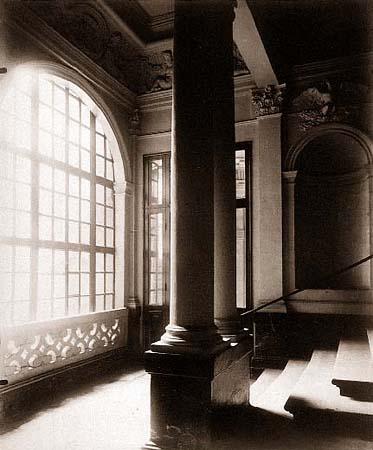 Hotel de Beauvais, 68 rue Francois-Miron