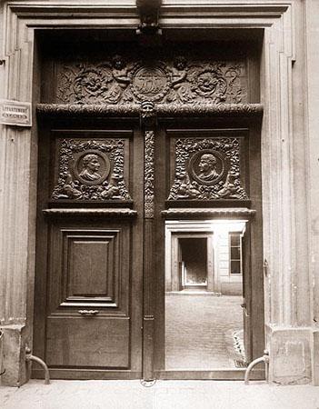 Ancien sejour de Jeanne de Navarre et hotel des archeveques de Lyon au XVIIe siecle, 58 rue Saint-Andre-des-Arts