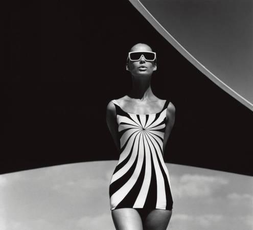 Brigitte Bauer, Op Art-Badeanzug von Sinz. Vouliagmeni/ Griechenland 1966