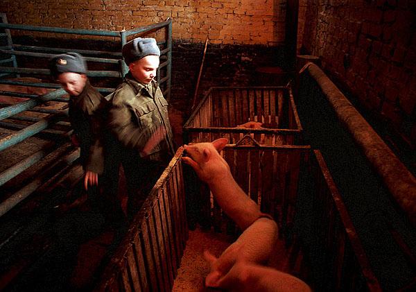 ©Олег Никишин. «Московская обл., Зеленоград, Кантемировская танковая дивизия, 1999»