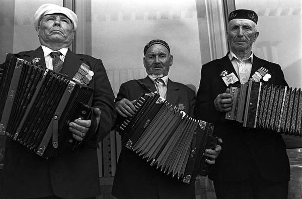 ©Фарит Губаев. «Праздник татарской гармошки. Казань,1988»