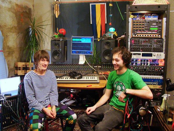 Саша Ефимов и Дима Тесёлкин в студии