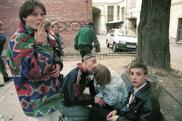 ©Сергей Максимишин. «Санкт-Петербург, 2000, Беспризорники»