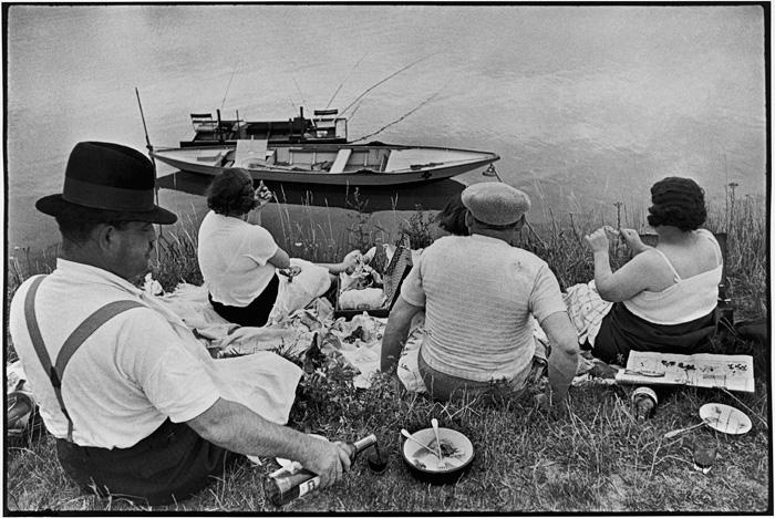 Henri Cartier-Bresson. FRANCE. Sunday on the banks of the River Marne. 1938. Copyright Henri Cartier-Bresson/Magnum Photos