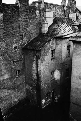 ©Борис Смелов. «Человек с ведром. 1973»