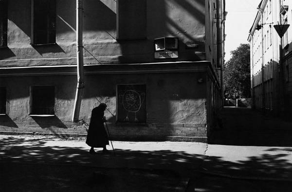 ©Борис Смелов. «На Большом проспекте Васильевского острова. 1970-е»
