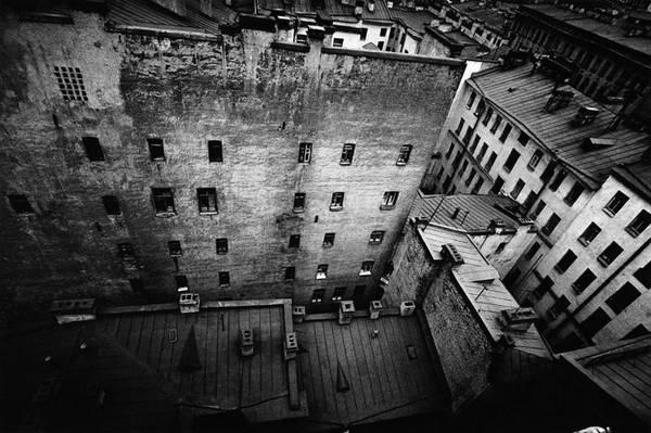©Борис Смелов. «Взгляд вниз. 1975»
