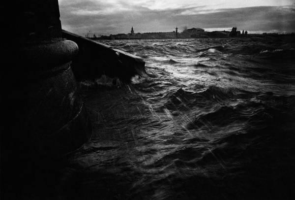 ©Борис Смелов. «Вид на Cтрелку Васильевского острова в наводнение. 1980 »