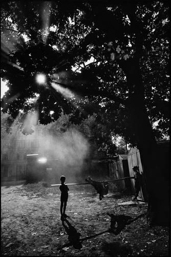 ©Борис Смелов. «У гаражей. 1980-е»