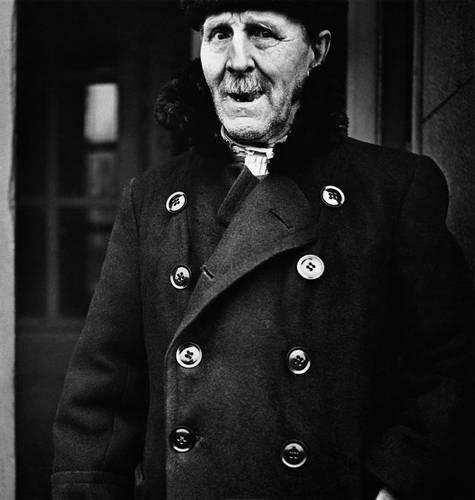 ©Борис Смелов. «Портрет старика в зимнем пальто. 1973»