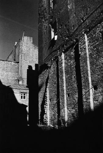 ©Борис Смелов. «Кирпичный фасад. 1970-е»