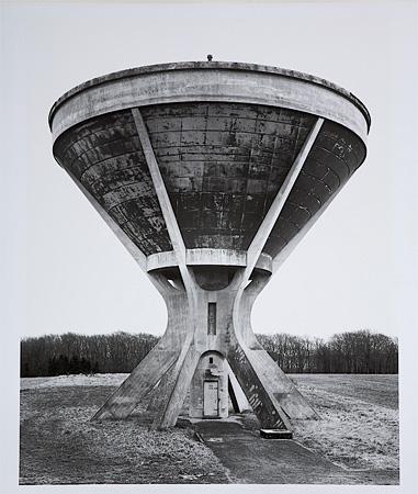 Бернд и Хилла Бехер. Водонапорная башня. Люксембург, L 1989 © Stiftung museum kunst palast, Dusseldorf, Graphische Sammlung