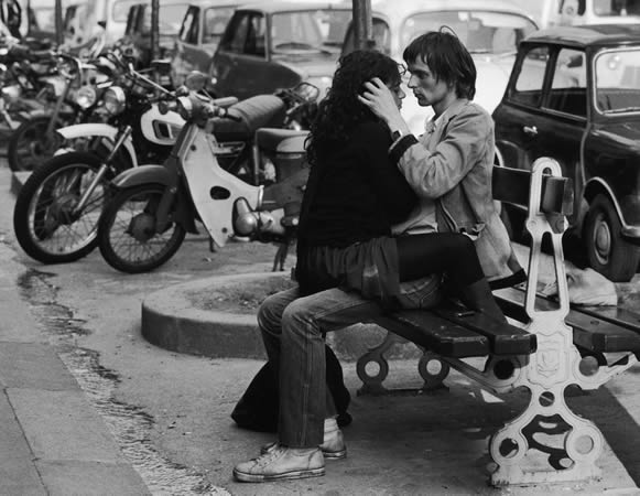 Сабин Вайс. <br> Париж. Молодая пара. 1980