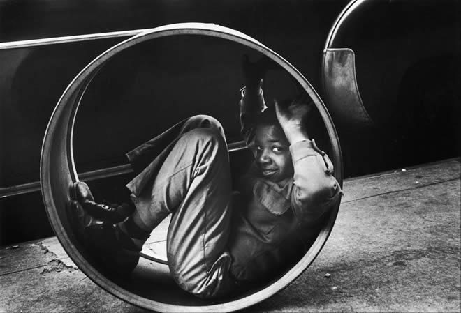Сабин Вайс. <br> Нью-Йорк. Детская игра. 1955