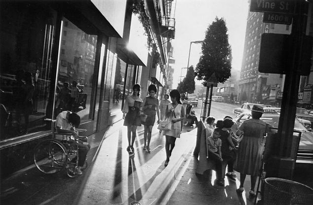 Garry Winogrand.  Los Angeles, California.  1969<br />  © Estate of Garry Winogrand