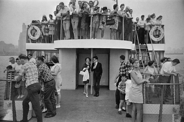 Garry Winogrand.  Statue of Liberty Ferry, New York.  1971<br />  © Estate of Garry Winogrand
