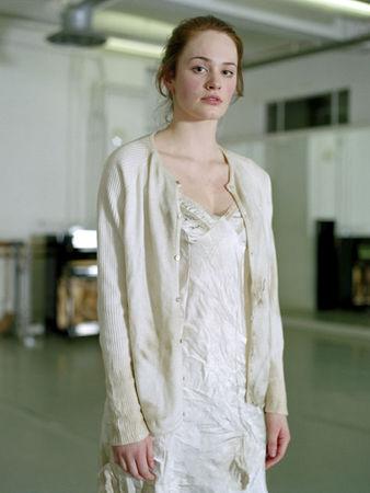 "Серена  Андреини, Великобритания<br>  Из серии ""За кулисами"", 2007, фотография, 51х41см"