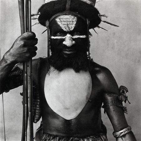 Ирвинг Пенн. Воин племени Тамбул. Платино-палладиевая печать. 1970 (напечатана 1979)