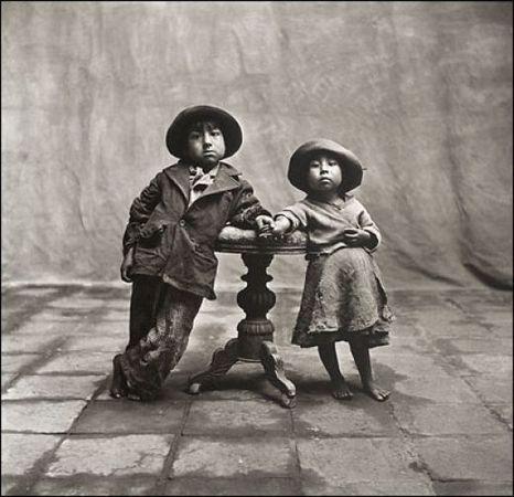 Ирвинг Пенн. Дети из Куско. Платино-палладиевая печать. Напечатана в 1976