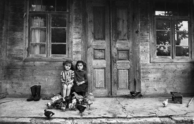 "Guia Chkhatarashvili, ""Sisters"" 1990, ""Ushguli"" series, 1991-2000"