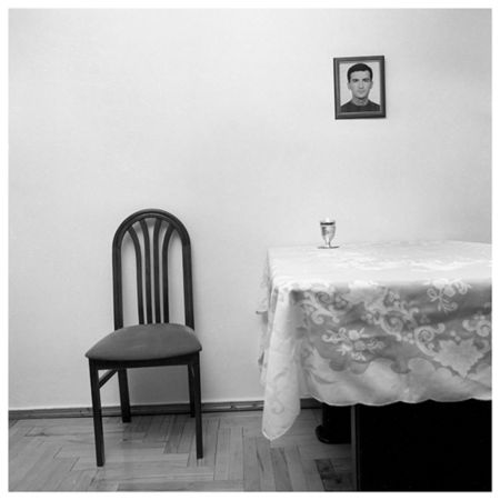 "Irina Abjandadze ""Merab Basilia, 27 years old"", ""Victim"" series, 2000"