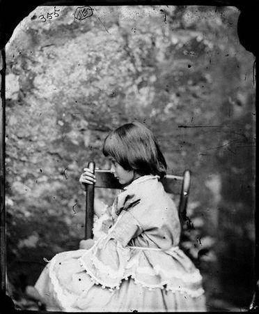 Льюис Керролл. «Зазеркалье. 150 лет спустя»