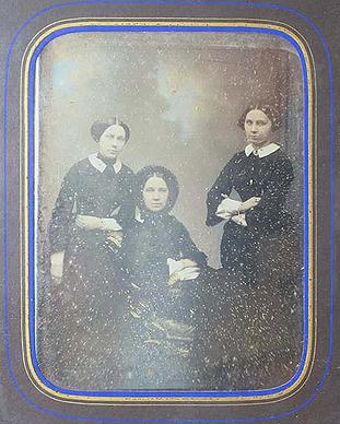 Ателье С.Левицкого. Портрет сестер Пашковых.1857