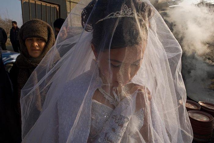 ©Анзор Бухарский. «Невестка и свекровь»