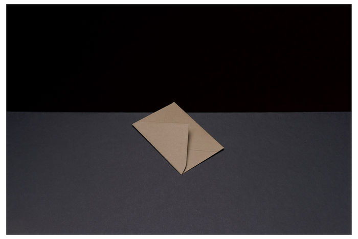©Вадим Гущин. «Цветные конверты #5»