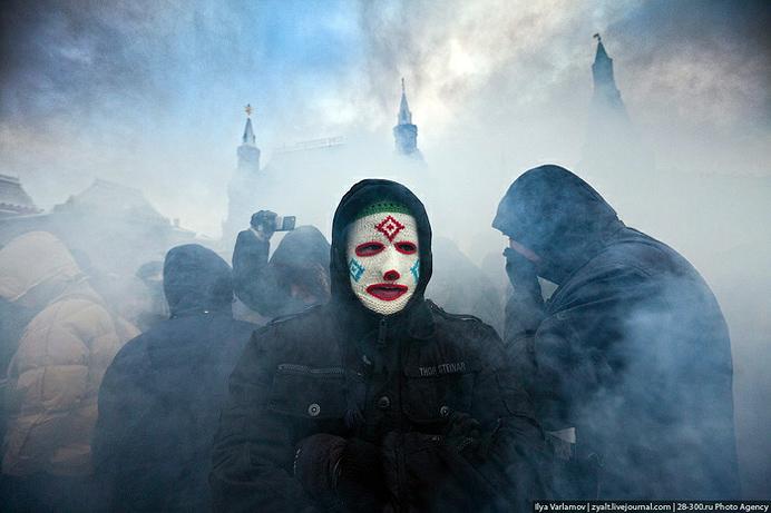"""Илья Варламов. Из серии """"Манежка"""", 2010. zyalt.livejournal.com"""