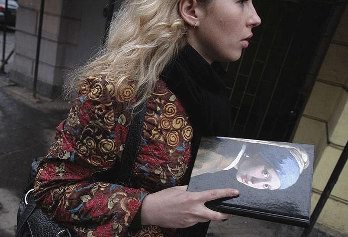 Чтобы увидеть «Девушку с серёжкой» сегодня средь бела дня, нужно носить Вермеера в себе. Фотография победителя конкурса Александра Гроусса