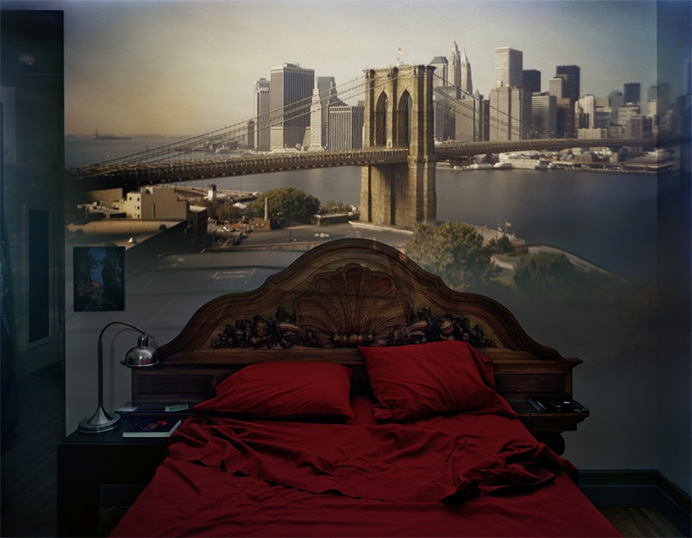 © Abelardo Morell. Camera obscura: view of the brooklyn bridge in bedroom 2008